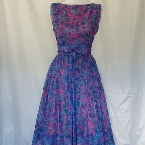 Vtg 50's purple floral fit and flare full skirt
